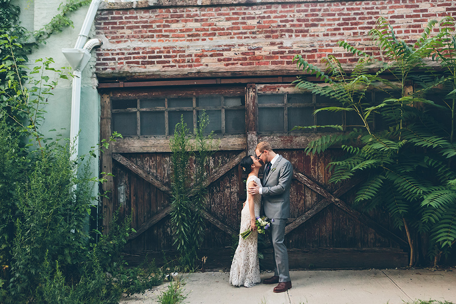 NEW-YORK-CITY-WEDDING-PHOTOGRAPHER-VINEGAR-HILL-HOUSE-INTIMATE-DUMBO-WEDDING-ELOPEMENT-MANHATTAN-BROOKLYN-WEDDING-PHOTOGRAPHY-0029.jpg