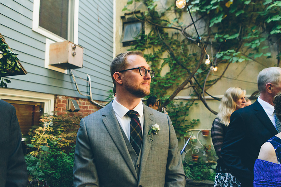 NEW-YORK-CITY-WEDDING-PHOTOGRAPHER-VINEGAR-HILL-HOUSE-INTIMATE-DUMBO-WEDDING-ELOPEMENT-MANHATTAN-BROOKLYN-WEDDING-PHOTOGRAPHY-0046.jpg