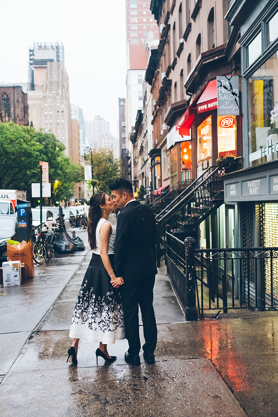 NEW-YORK-CITY-WEDDING-PHOTOGRAPHER-INTIMATE-WEDDING-ELOPEMENT-BROOKLYN-PROMENADE-CITYHALL-MANHATTAN-BROOKLYN-WEDDING-PHOTOGRAPHY-JackieAaron-0055.jpg
