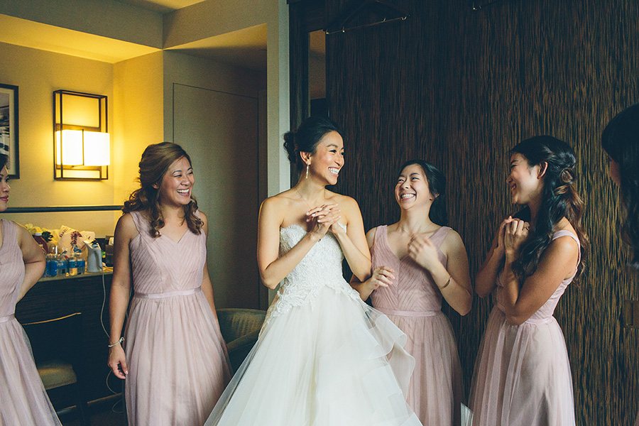 NEW-YORK-CITY-WEDDING-PHOTOGRAPHER-INTIMATE-WEDDING-DOMINICK-HOTEL-SOHO-WEDDING-TRIBECA-WEST-VILLAGE-monique-lhuillier-WEDDING-DRESS-ELOPEMENT-BROOKLYN-PROMENADE-CITYHALL-MANHATTAN-BROOKLYN-WEDDING-PHOTOGRAPHY-LAURENERIC-0022.jpg
