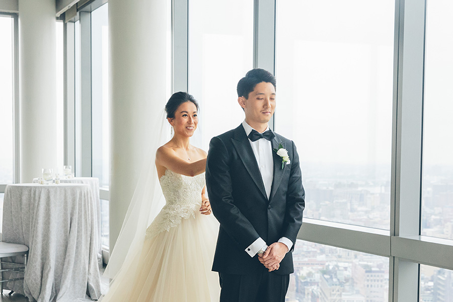 NEW-YORK-CITY-WEDDING-PHOTOGRAPHER-INTIMATE-WEDDING-DOMINICK-HOTEL-SOHO-WEDDING-TRIBECA-WEST-VILLAGE-monique-lhuillier-WEDDING-DRESS-ELOPEMENT-BROOKLYN-PROMENADE-CITYHALL-MANHATTAN-BROOKLYN-WEDDING-PHOTOGRAPHY-LAURENERIC-0051.jpg