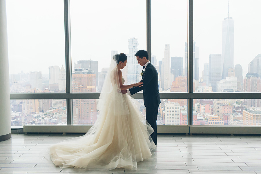 NEW-YORK-CITY-WEDDING-PHOTOGRAPHER-INTIMATE-WEDDING-DOMINICK-HOTEL-SOHO-WEDDING-TRIBECA-WEST-VILLAGE-monique-lhuillier-WEDDING-DRESS-ELOPEMENT-BROOKLYN-PROMENADE-CITYHALL-MANHATTAN-BROOKLYN-WEDDING-PHOTOGRAPHY-LAURENERIC-0055.jpg