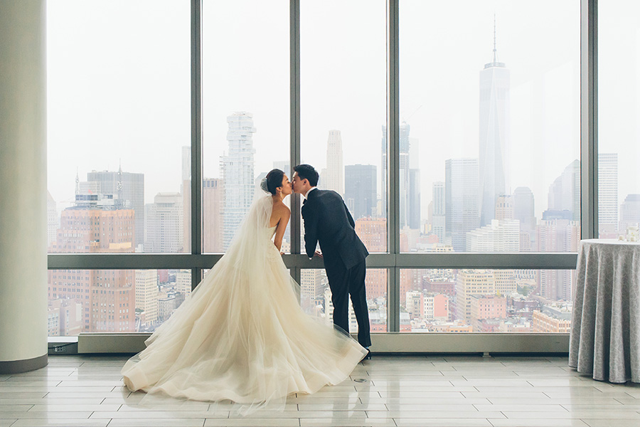 NEW-YORK-CITY-WEDDING-PHOTOGRAPHER-INTIMATE-WEDDING-DOMINICK-HOTEL-SOHO-WEDDING-TRIBECA-WEST-VILLAGE-monique-lhuillier-WEDDING-DRESS-ELOPEMENT-BROOKLYN-PROMENADE-CITYHALL-MANHATTAN-BROOKLYN-WEDDING-PHOTOGRAPHY-LAURENERIC-0010.jpg