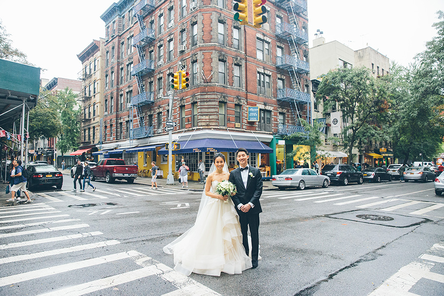 NEW-YORK-CITY-WEDDING-PHOTOGRAPHER-INTIMATE-WEDDING-DOMINICK-HOTEL-SOHO-WEDDING-TRIBECA-WEST-VILLAGE-monique-lhuillier-WEDDING-DRESS-ELOPEMENT-BROOKLYN-PROMENADE-CITYHALL-MANHATTAN-BROOKLYN-WEDDING-PHOTOGRAPHY-LAURENERIC-0011.jpg