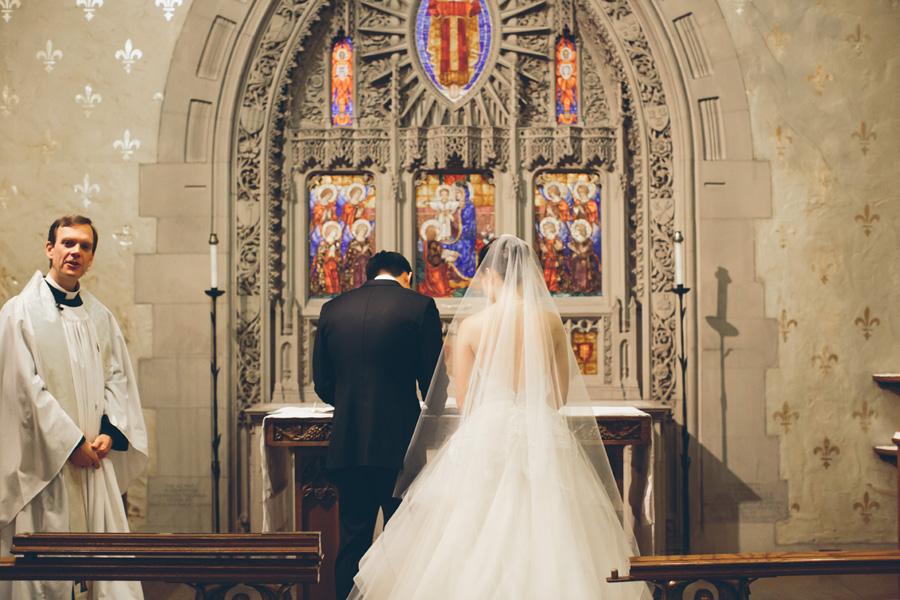 NEW-YORK-CITY-WEDDING-PHOTOGRAPHER-INTIMATE-WEDDING-DOMINICK-HOTEL-SOHO-WEDDING-TRIBECA-WEST-VILLAGE-monique-lhuillier-WEDDING-DRESS-ELOPEMENT-BROOKLYN-PROMENADE-CITYHALL-MANHATTAN-BROOKLYN-WEDDING-PHOTOGRAPHY-LAURENERIC-0040.jpg