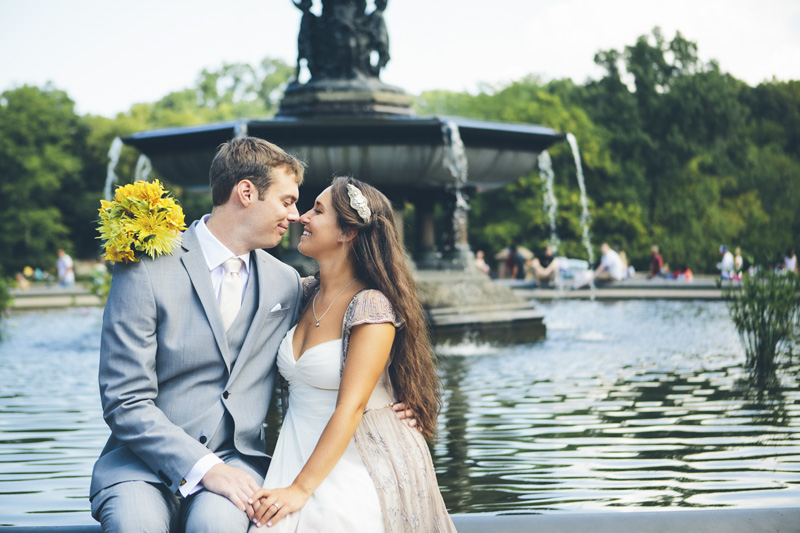 NEW-YORK-CITY-WEDDING-PHOTOGRAPHER-NY-CITYHALL-ELOPEMENT-ENGAGEMENT-PHOTOGRAPHY-CENTRAL-PARK-WEDDING-BETHSEDA-FOUNTAIN-039.jpg