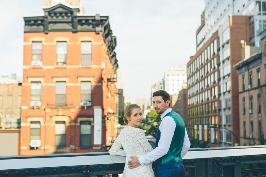 NYC-WEDDING-PHOTOGRAPHER-NY-CITYHALL-DESTINATION-ELOPEMENT-INTIMATE-WEDDING-CENTRAL-PARK-BROOKLYN-WEDDING-WILLIAMSBURG-SOHO-CHELSEA-THE-HIGH-LINE-057.jpg
