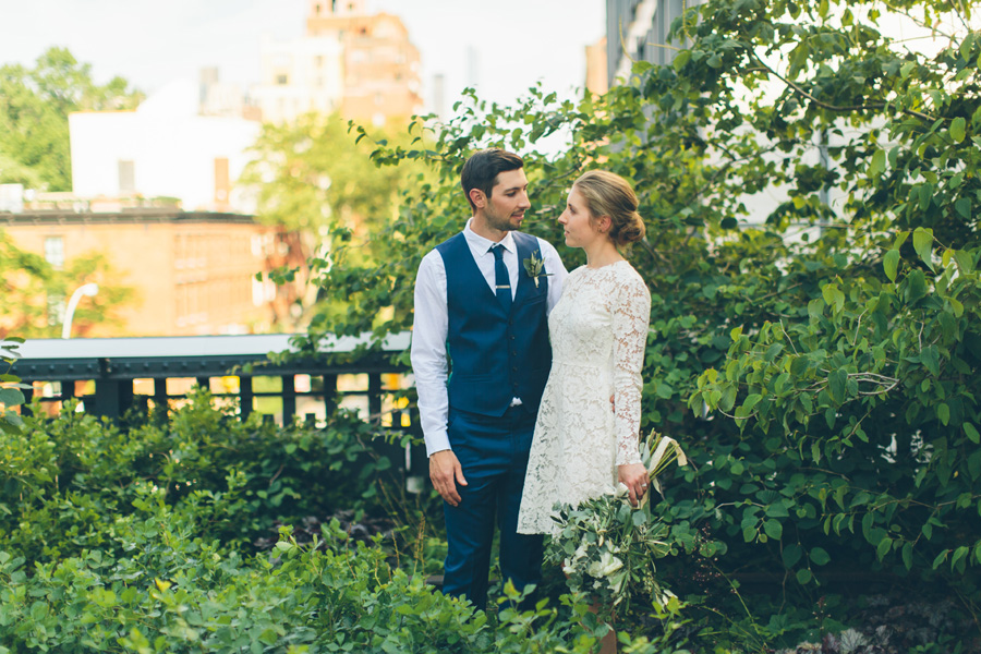 NYC-WEDDING-PHOTOGRAPHER-NY-CITYHALL-DESTINATION-ELOPEMENT-INTIMATE-WEDDING-CENTRAL-PARK-BROOKLYN-WEDDING-WILLIAMSBURG-SOHO-CHELSEA-THE-HIGH-LINE-059.jpg