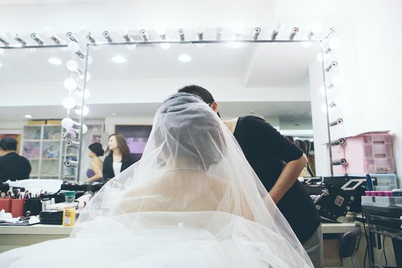 NYC-WEDDING-PHOTOGRAPHER-NY-CITYHALL-ELOPEMENT-INTIMATE-WEDDING-NEW-ROCHELLE-CENTRAL-PARK-BROOKLYN-WEDDING-008.jpg
