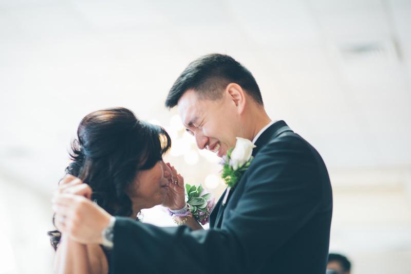 NYC-WEDDING-PHOTOGRAPHER-NY-CITYHALL-ELOPEMENT-INTIMATE-WEDDING-NEW-ROCHELLE-CENTRAL-PARK-BROOKLYN-WEDDING-023.jpg