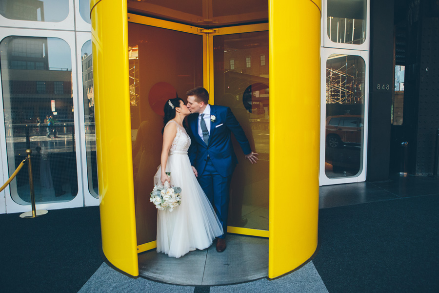NYC-WEDDING-PHOTOGRAPHER-NY-CITYHALL-DESTINATION-ELOPEMENT-INTIMATE-WEDDING-BROOKLYN-WEDDING-THE-HIGH-LINE-Locanda-VERDE-RESTAURANT-WEDDING-038.jpg