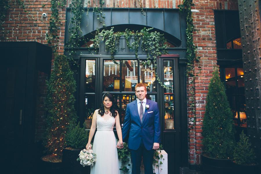 NYC-WEDDING-PHOTOGRAPHER-NY-CITYHALL-DESTINATION-ELOPEMENT-INTIMATE-WEDDING-BROOKLYN-WEDDING-THE-HIGH-LINE-Locanda-VERDE-RESTAURANT-WEDDING-040.jpg