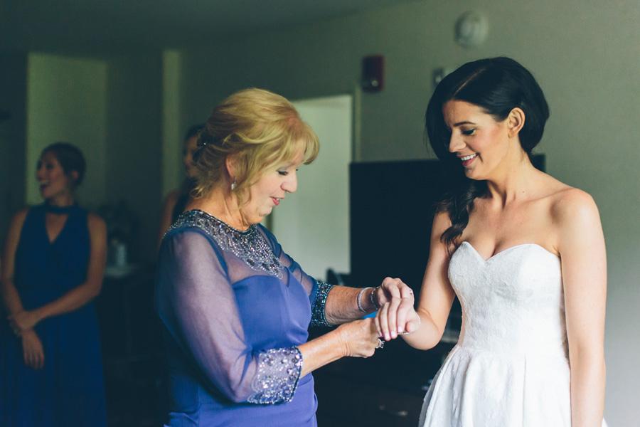 VICTORIA-BRIAN-NY-WEDDING-BRIDEPREP-CYNTHIACHUNG-0195.jpg