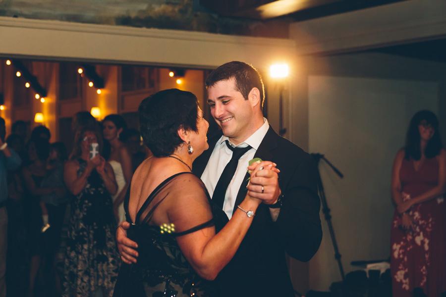 VICTORIA-BRIAN-NY-WEDDING-RECEPTION-CYNTHIACHUNG-0478.jpg