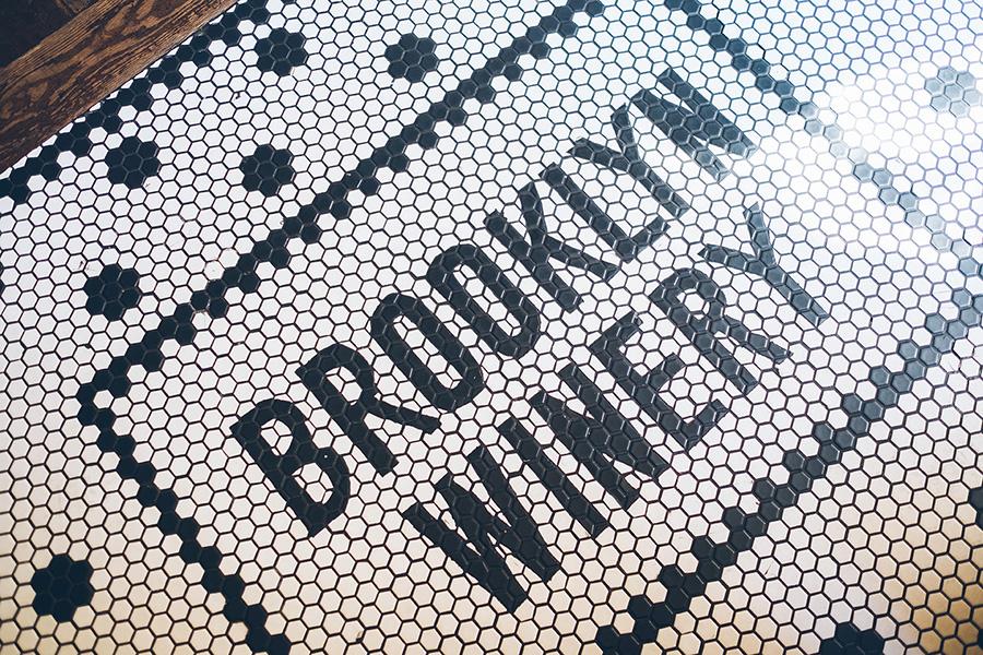 TINA-CARSON-BROOKLYN-WINERY-NYC-DETAILS-CYNTHIACHUNG-0066.jpg