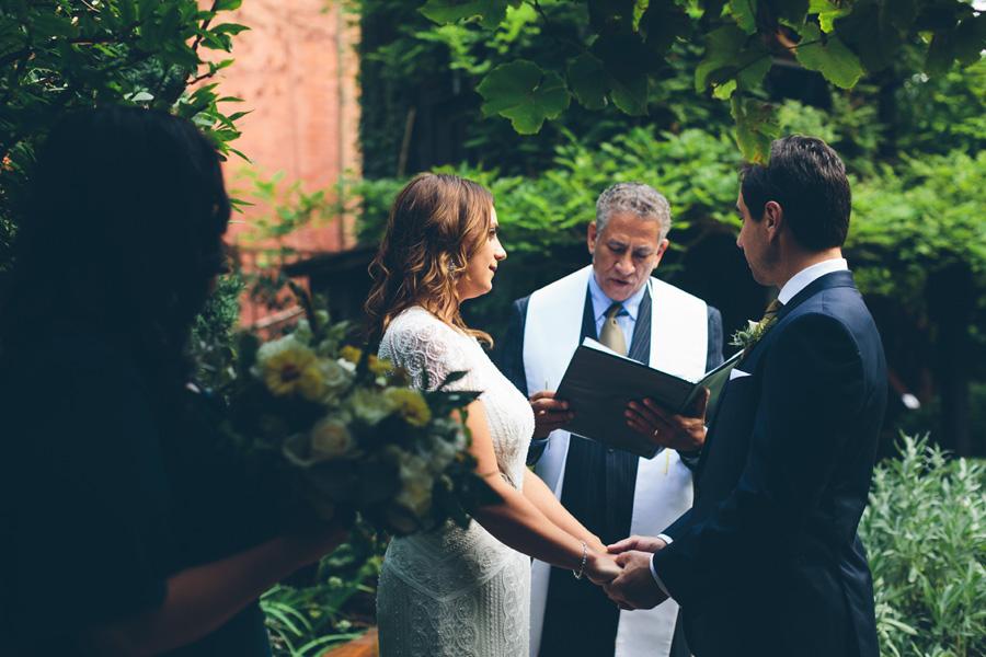 ROSE-BENNETT-NYC-WEDDING-BROOKLYN-CEREMONY-CYNTHIACHUNG-0183.jpg