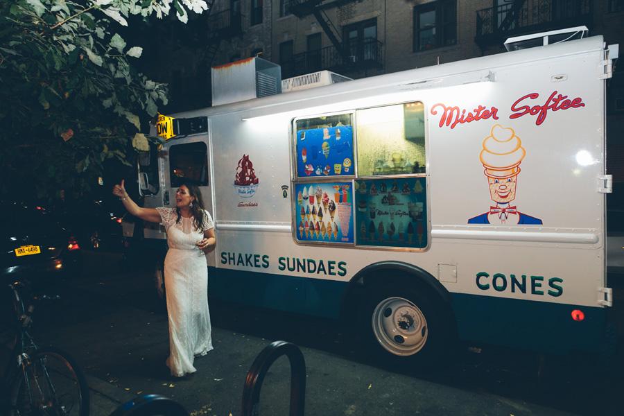 ROSE-BENNETT-NYC-WEDDING-BROOKLYN-RECEPTION-CYNTHIACHUNG-0817.jpg