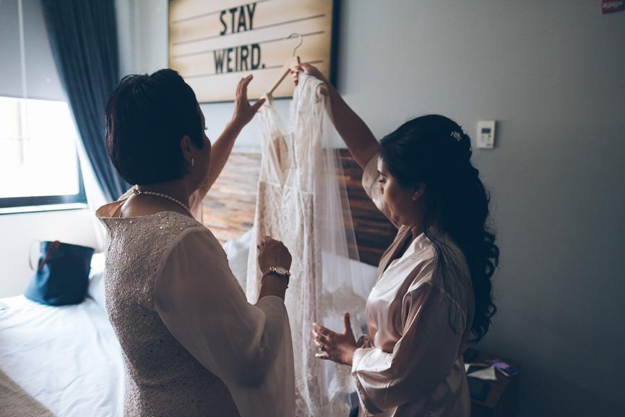 POOH-PETER-NYC-WEDDING-BRIDEPREP-CYNTHIACHUNG-0063.jpg