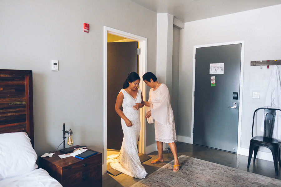 POOH-PETER-NYC-WEDDING-BRIDEPREP-CYNTHIACHUNG-0068.jpg