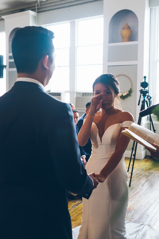 LIN-JOEY-NYC-WEDDING-METROPOLITANBUILDING-CEREMONY-CYNTHIACHUNG-0128.jpg