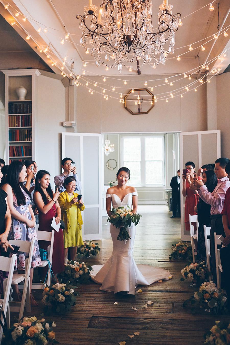 LIN-JOEY-NYC-WEDDING-METROPOLITANBUILDING-CEREMONY-CYNTHIACHUNG-0106.jpg