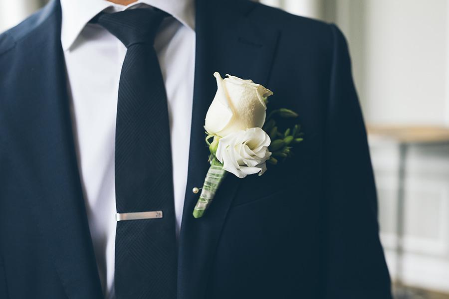 LIN-JOEY-NYC-WEDDING-METROPOLITANBUILDING-GROOMPREP-CYNTHIACHUNG-0071.jpg