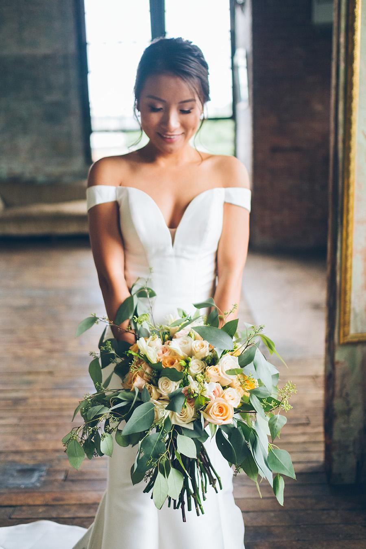 LIN-JOEY-NYC-WEDDING-METROPOLITANBUILDING-BRIDEPREP-CYNTHIACHUNG-0291.jpg