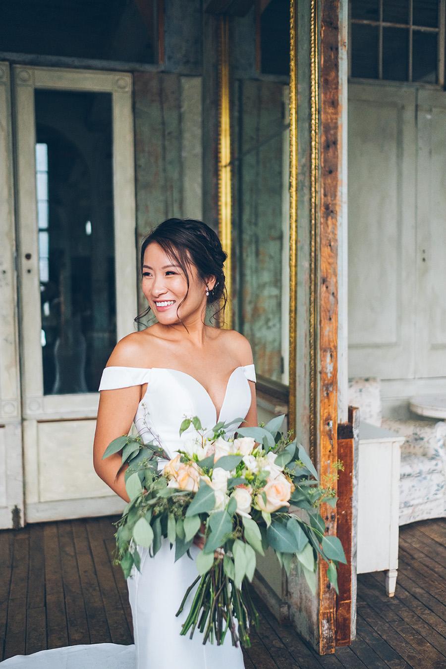 LIN-JOEY-NYC-WEDDING-METROPOLITANBUILDING-BRIDEPREP-CYNTHIACHUNG-0280.jpg