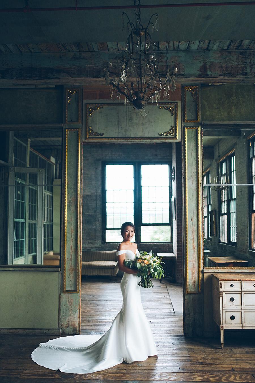 LIN-JOEY-NYC-WEDDING-METROPOLITANBUILDING-BRIDEPREP-CYNTHIACHUNG-0255.jpg