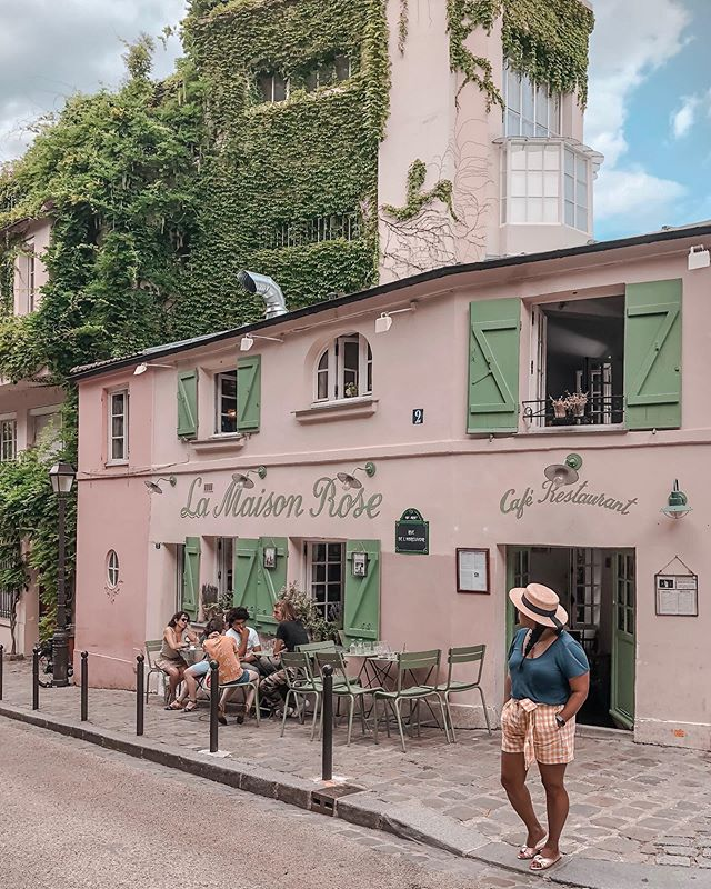 Happy Saturday from the cutest and most famous house in Montmartre. ⁠⠀ ::⁠⠀ ::⁠⠀ ::⁠⠀ ::⁠⠀ ::⁠⠀ ::⁠⠀ ⁠⠀ #lamaisonrose #stayandwander #iamtb #worldofwanderlust #roamtheworld #thetraveltribe⁠⠀ #beautifuldestinations #lovethiscity #parisparis #iloveparis #parisienne #mylittleparis #sheisnotlost #dametraveler #wearetravelgirls #femmetravel #tlpicks #shetravelz #girlvsglobe #thewanderingtourist #passionpassport #travelanddestinations #traveldrops #theprettycities #topstreetphoto #mauryaroundtheworld #amazingplaces #unlimitedfrance #montmartre #montmartreparis ⁠⠀ ⁠⠀