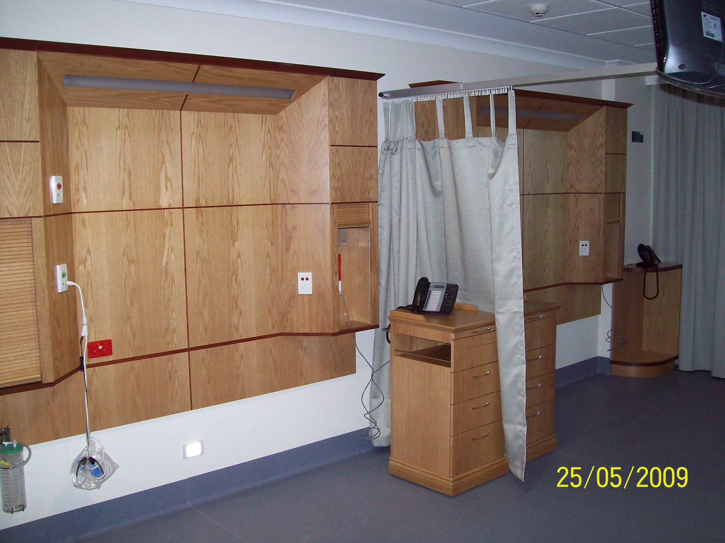 East Wing Typical 2 bed ward.JPG
