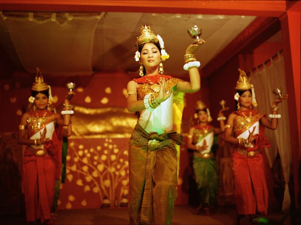 dancers1.jpg