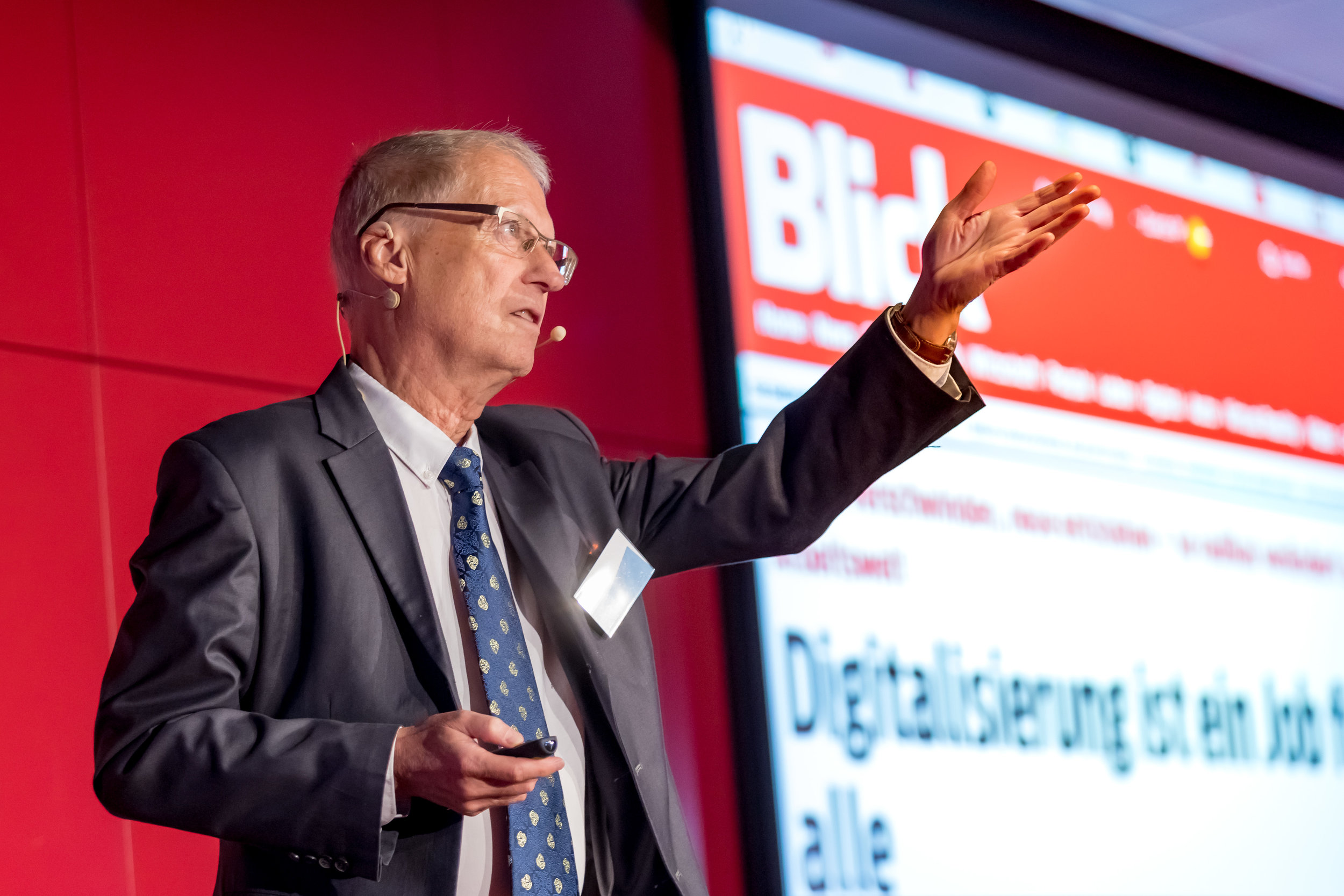 Prof. Dr. Rolf Pfeifer