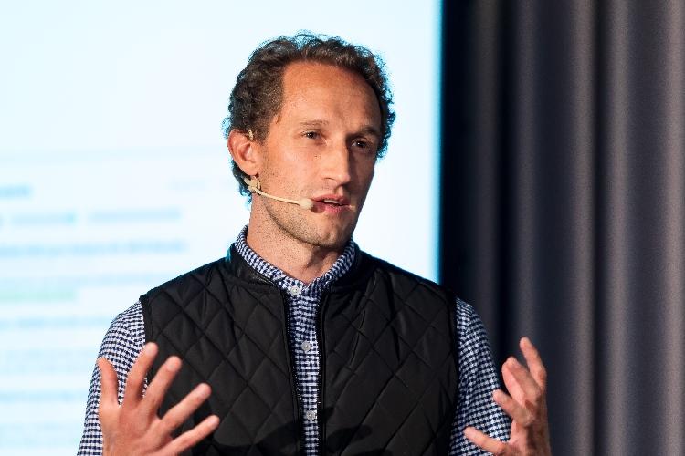 Cristian Grossmann, beekeeper