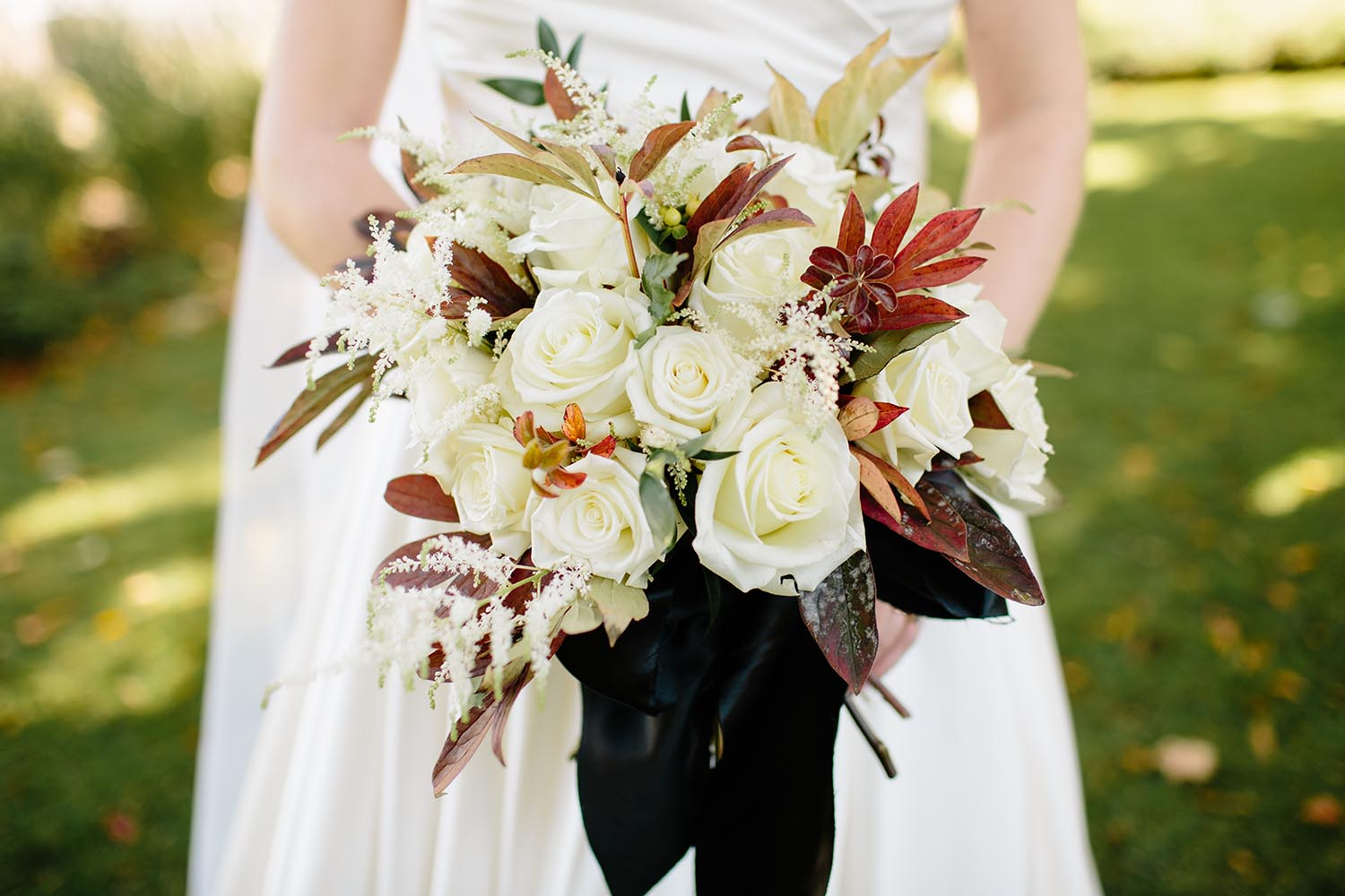 understated fall boquet cream