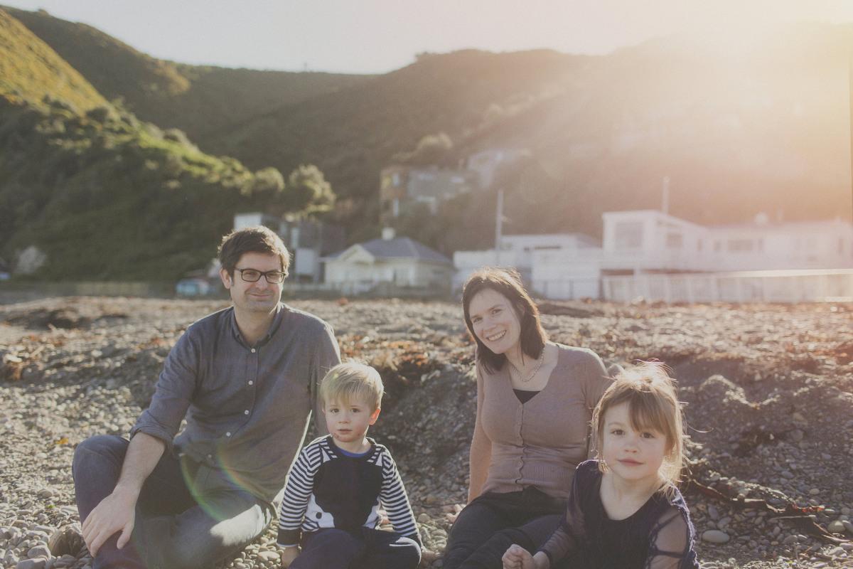 natural-family-photo-wgtn-south-coast100.JPG