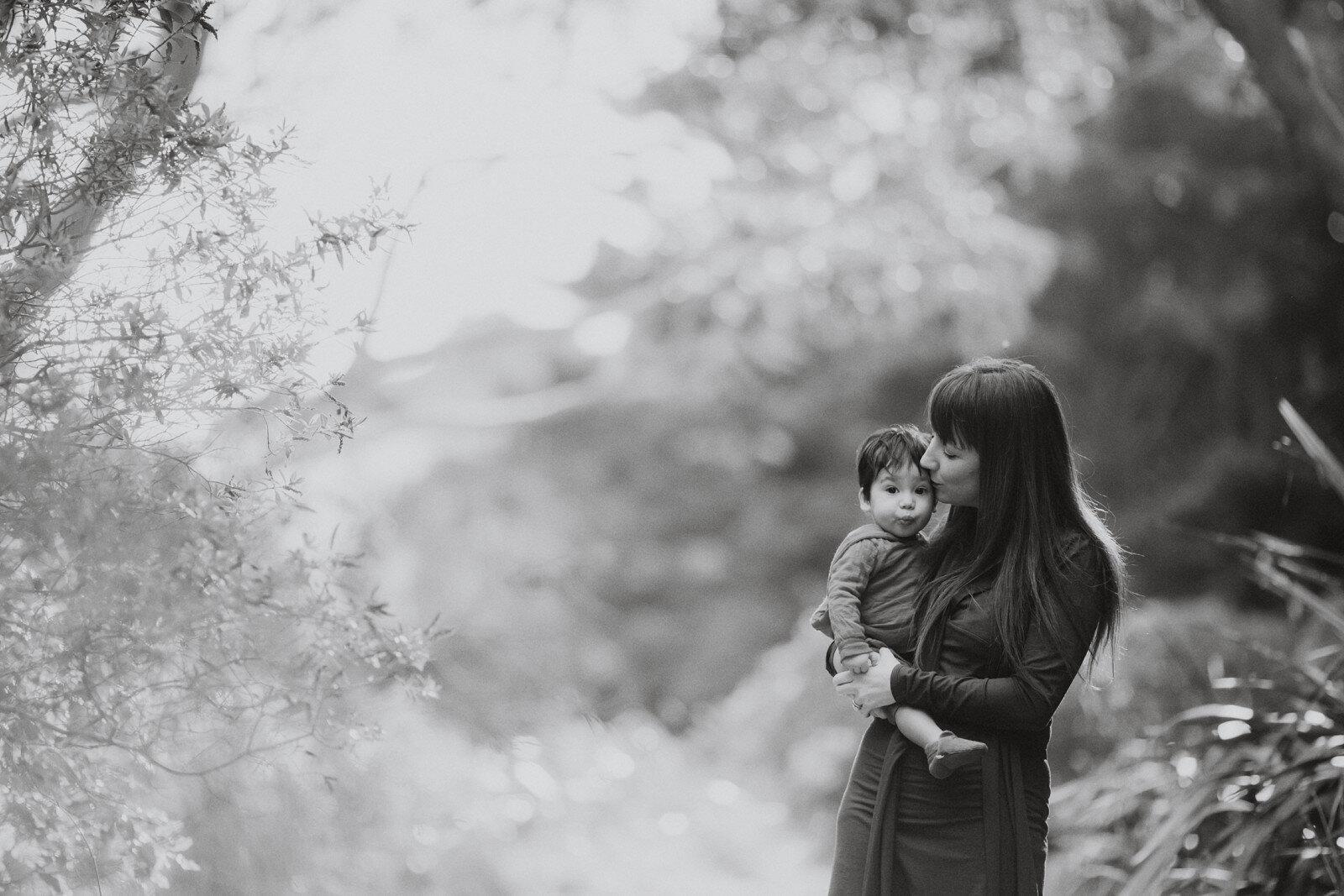 Family photos in Wellington City by Jenny Siaosi. Siaosi Photography.
