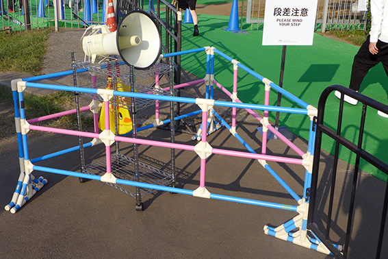 CChorus_STAIRS_BARRIER_25Jan16_4.png