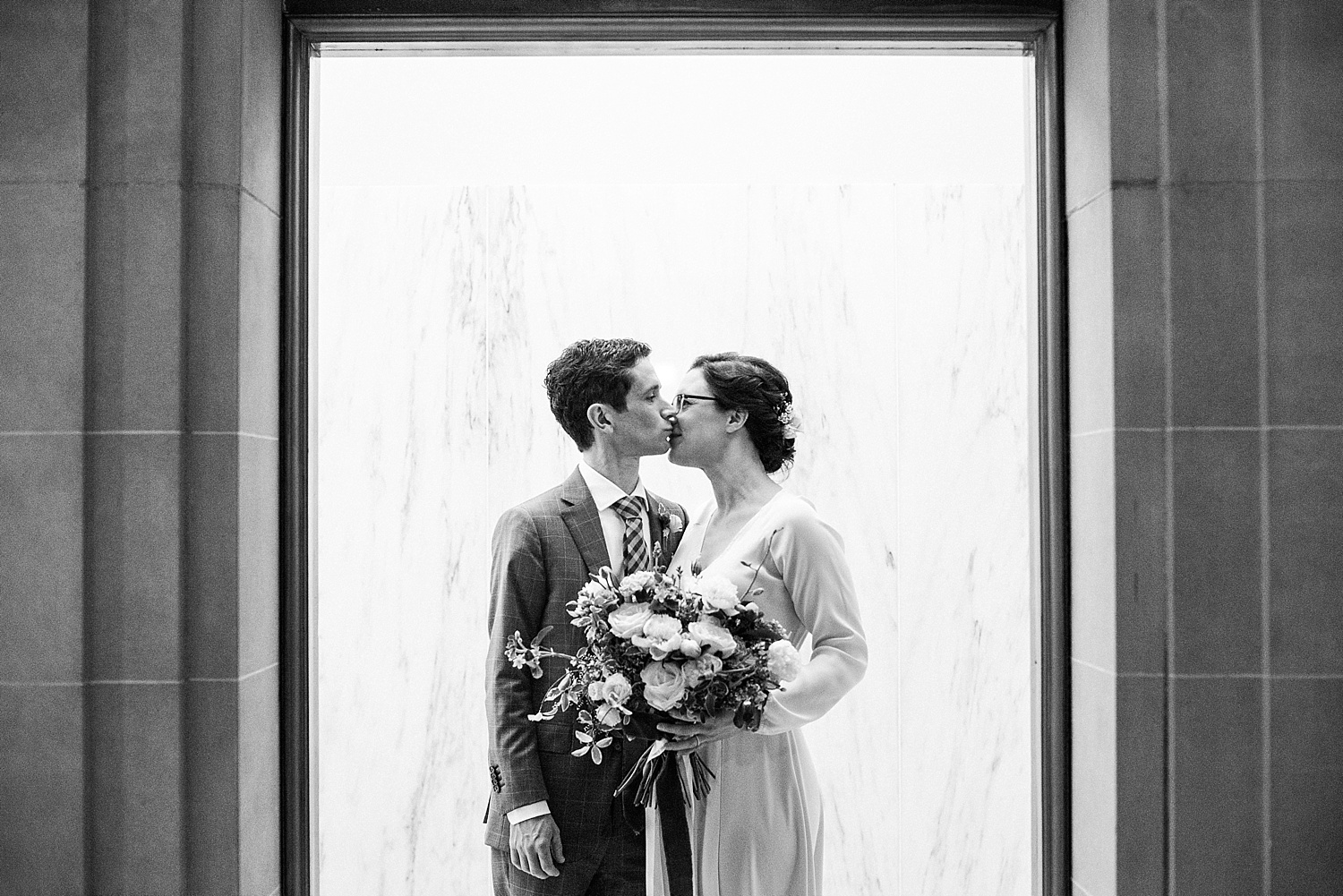 jennifer-jayn-photography-san-francisco-city-hall-wedding_0023.jpg