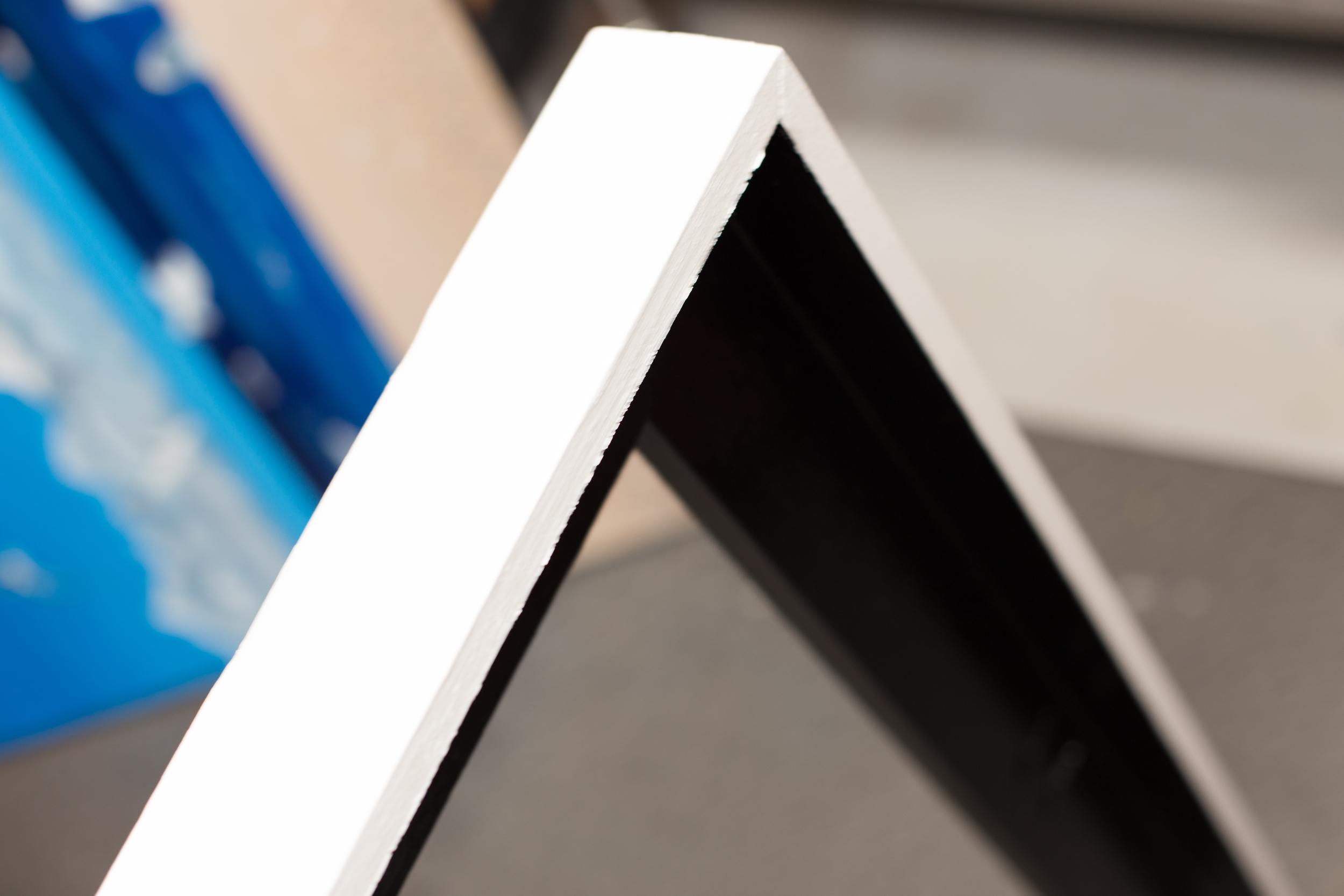 Floater frame detail