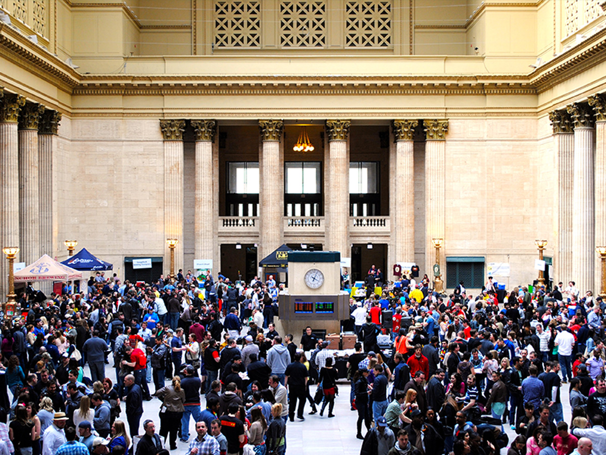 The end of March called for the 2nd Annual Chicago Beer Festival in Union Station's Great Hall.