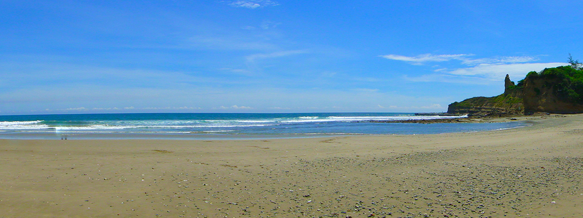 Montañita Brewing Company sits beachside, overlooking