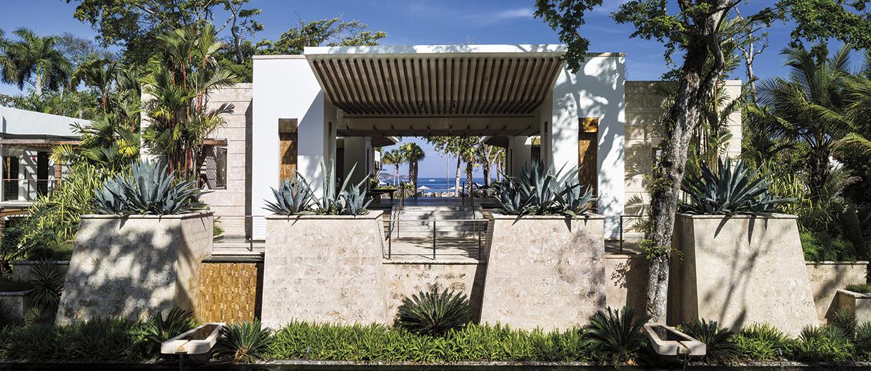 Ritz_DoradoBeach_00174_Home.jpg