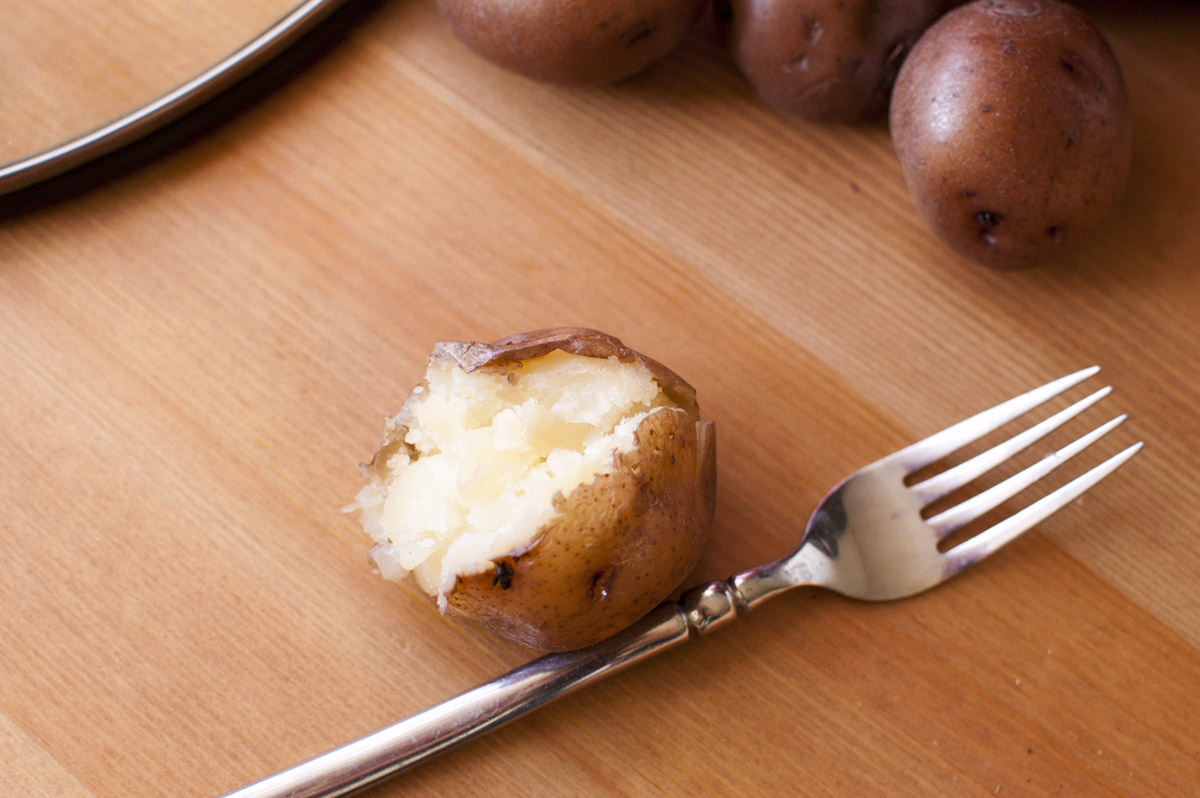 Crockpot Potatoes (cook them easily in your slow cooker!)