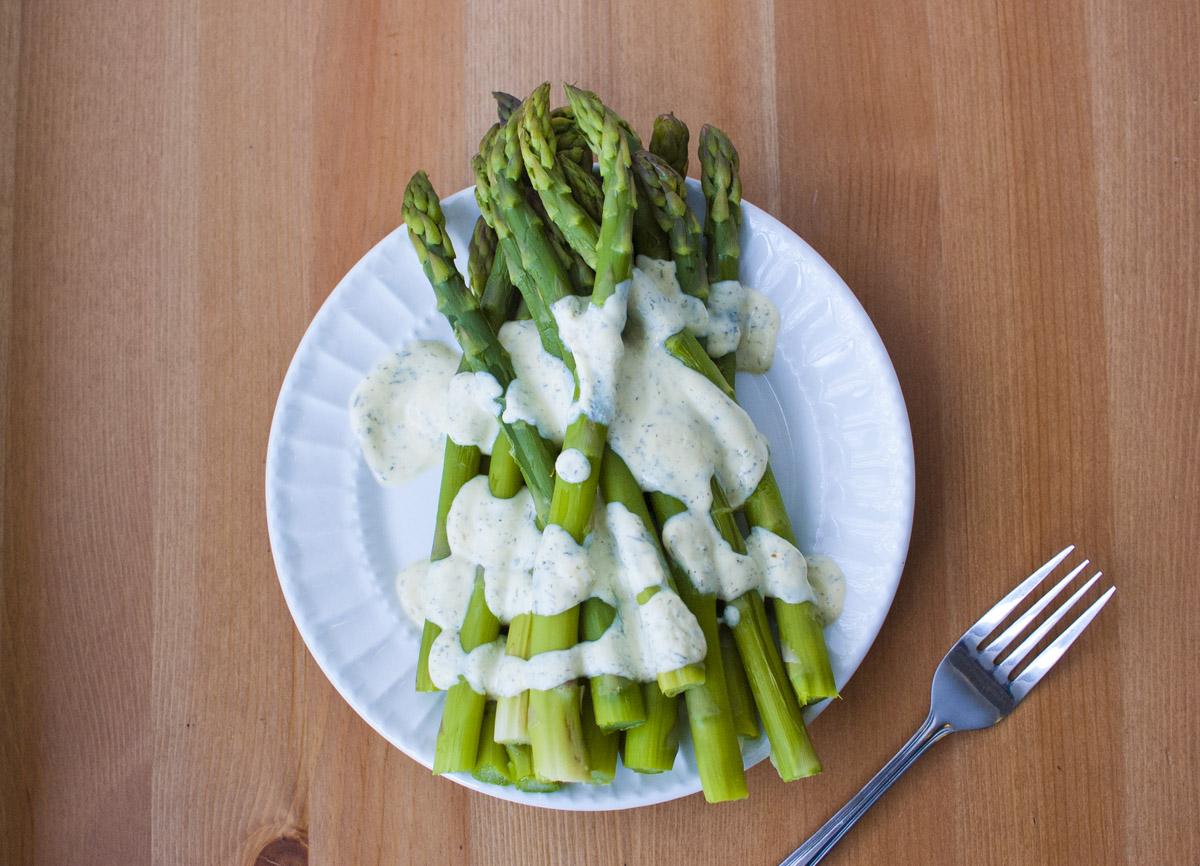 Asparagus with Vegan Creamy Lemon Dill Sauce