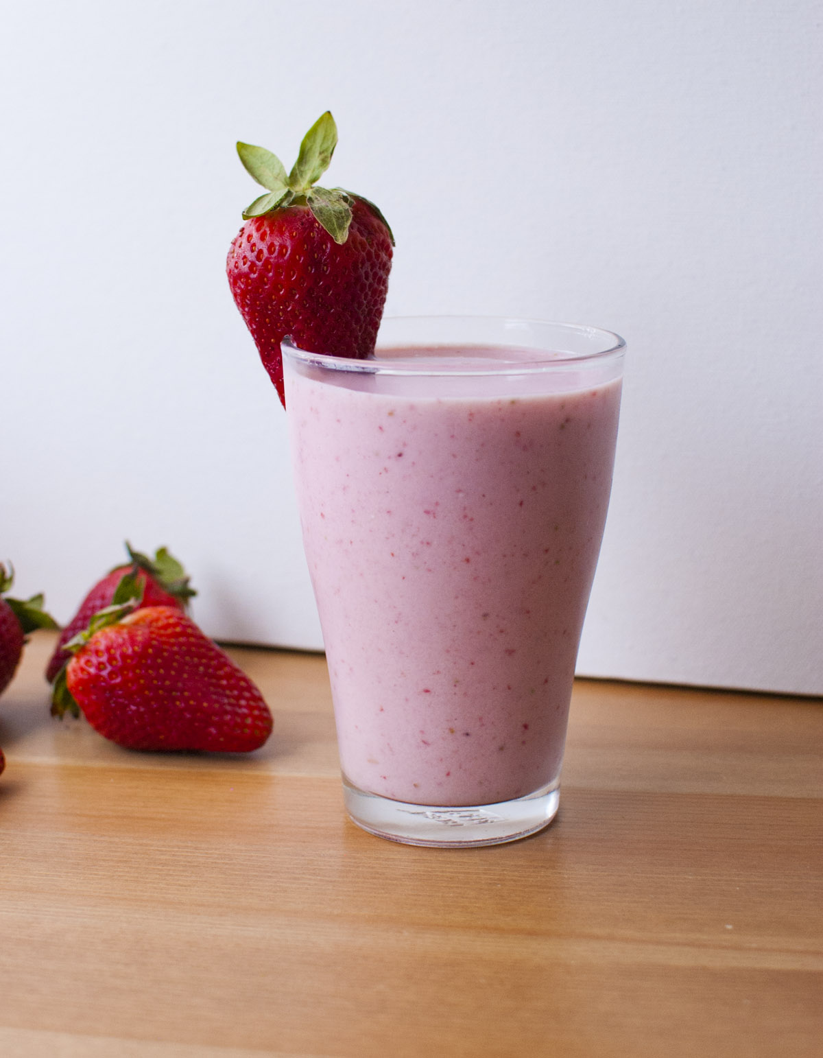 Strawberry Champagne Shake (vegan!)