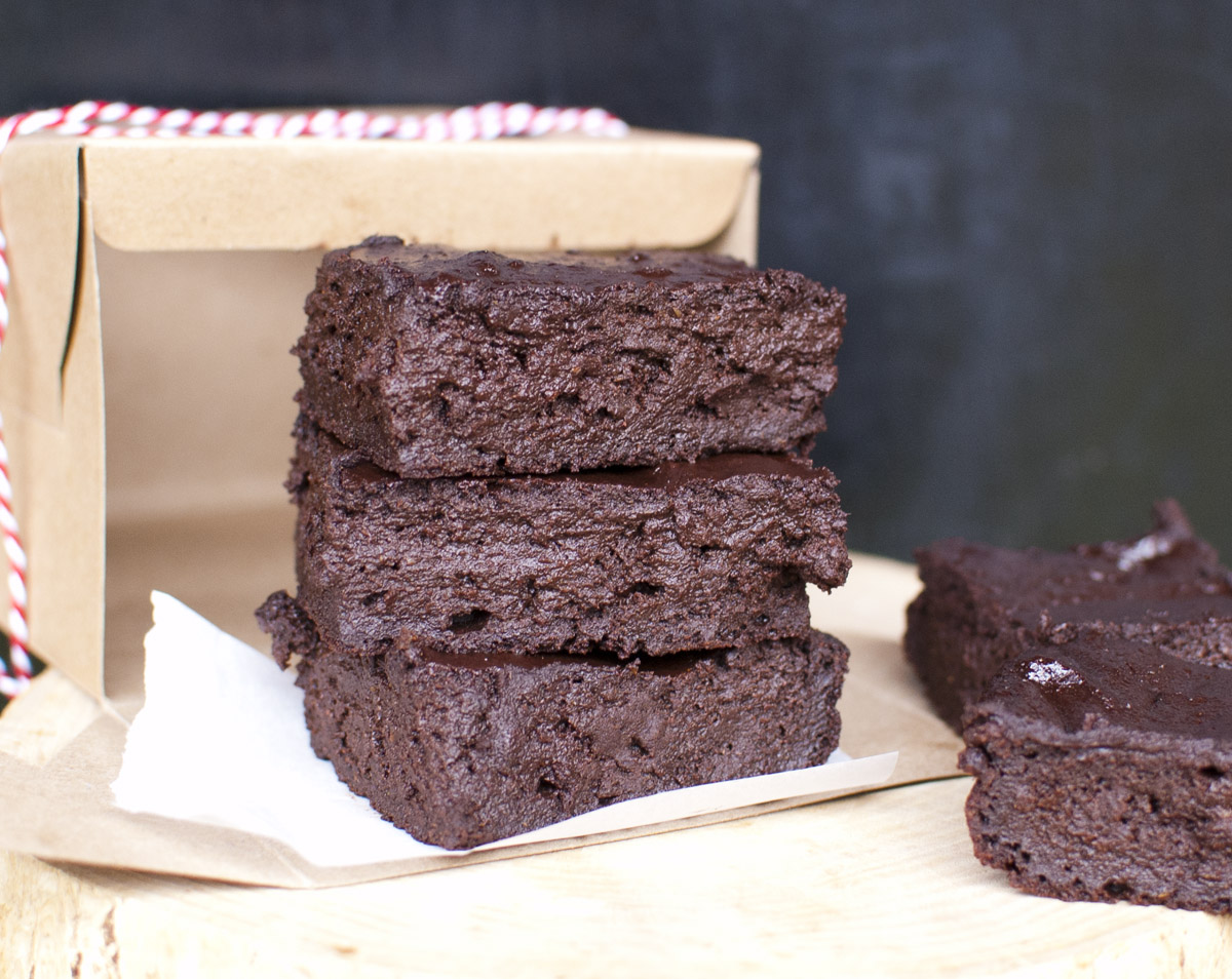 The BEST Easy Fudgy Vegan Chocolate Brownies