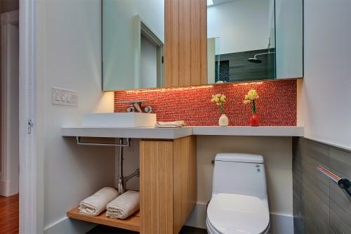 modern-bathroom1.jpg