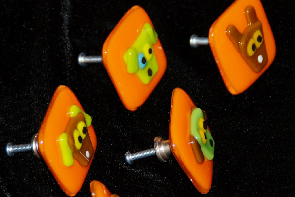 orange dog pulls backs.jpg