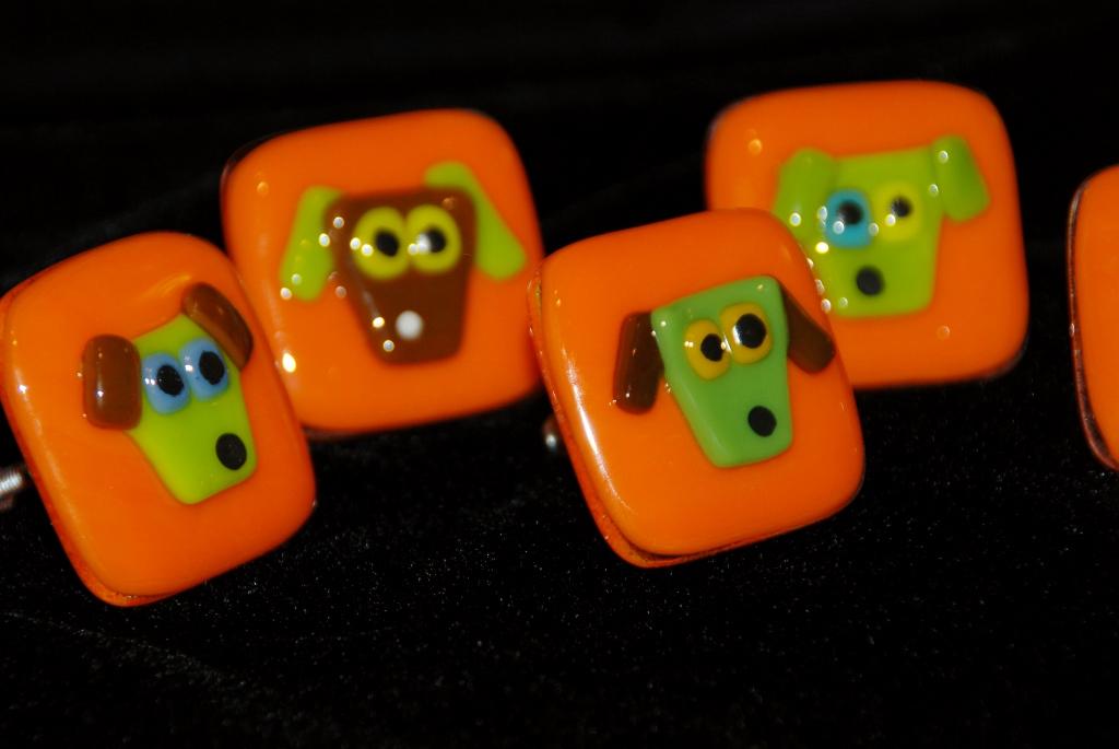 four orange dog pulls.jpg
